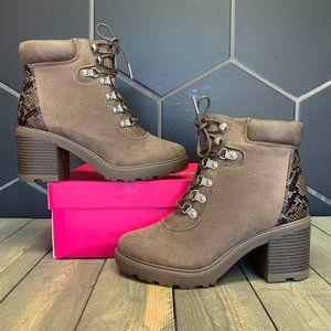 ShoeDazzle Felixa Block Heel Hiker Booties Brown S